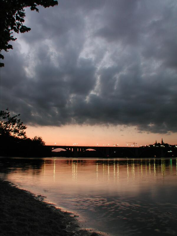 Picture of Key Bridge and Potomac River, click to change size